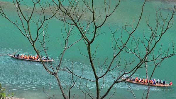 船进神农溪